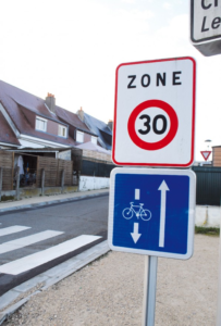 Les zones 30 favorisent la circulation douce en ville .